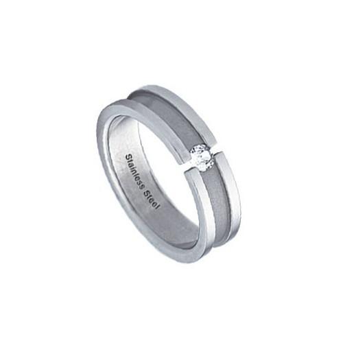 Ocelový prsten s zirkonem a matnou drážkou
