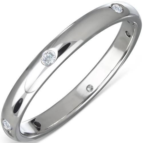 Lesklý ocelový prsten se šesti zirkony vsazenými po celém obvodu