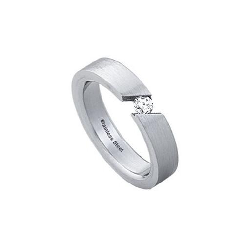 Ocelový prsten s šikmým výřezem pro zirkon